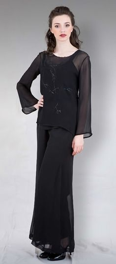 This Titanic inspired black embroidery-on-black transparent tulle blouse has ¾ sleeves, a deep v-neckline, and dainty button closures. Bohemian Chic Fashion, Bohemian Tops, Bohemian Lifestyle, Bohemian Style, Passion For Fashion, Vintage Inspired, That Look, Tulle, Closet
