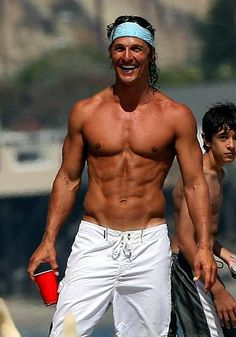 Matthew Mcconaughey young photos best and new movies tv shows early acting career first film height weight. Matthew Mcconaughey Shirtless, Logan Lerman, Raining Men, Amanda Seyfried, Livingston, Good Looking Men, Celebrity Crush, Gorgeous Men, Dead Gorgeous