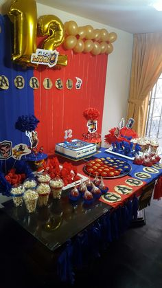 Torta Clash Royale, Chocolates, Clash Of Clans, Party Planning, Birthday Candles, Leo, Birthday Parties, Party Ideas, Kids Part