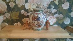Vintage Eastern vase depicting birds and Flowers. Oriental, Birds, Vase, Antiques, Flowers, Painting, Vintage, Home Decor, Antiquities