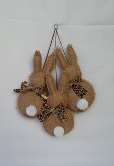 Make your home decorated for the Easter egg hunt ! - Make your home decorated for the Easter egg hunt ! Decorative Easter bunny theme pendant, can be - Hoppy Easter, Easter Bunny, Easter Eggs, Easter Tree, Easter Wreaths, Burlap Crafts, Felt Crafts, Easter Projects, Easter Crafts