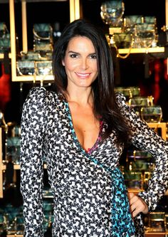 angie harmon rizzoli isles pinterest wundervoll schauspieler und frau. Black Bedroom Furniture Sets. Home Design Ideas