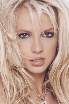 Britney Spears - That hair and makeup - gorgeous