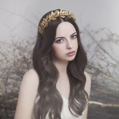Estel headpiece by Viktoria Novak  https://www.bohemianbop.com/product/bohem-athena-dre