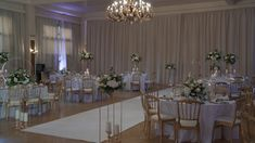 Les Fleurs d'Agrippine// Mariage N&A 2019 N&A wedding, white and gold theme Crystal Wedding Decor, Tall Wedding Centerpieces, Quinceanera Decorations, Wedding Decorations On A Budget, Centerpiece Flowers, Budget Wedding, Wedding Ideas, Table Decorations, Indoor Wedding Receptions