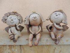 Michaela Lindovská | Galerie V-ATELIER Pottery Angels, Bird Doodle, Art Education, Sculpture Art, Doodles, Christmas Ornaments, Cool Stuff, Holiday Decor, Children