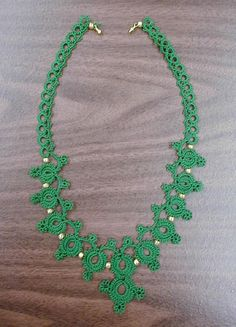 tatted green necklace