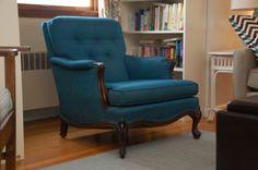CRAIG'S LIST, LIVING ROOM FURNITURE   blue craigslist chair