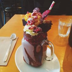 19 Insane Milkshake Shops Around The World You Need To Eat At
