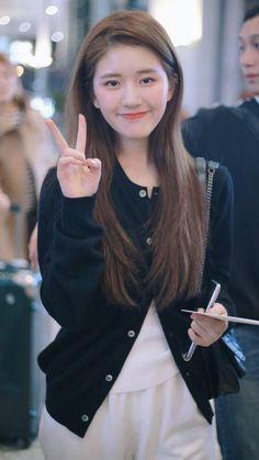 Pretty Girls, Cute Girls, Cute Asian Babies, Korean Beauty Girls, Lovely Creatures, Daniel Wellington, Cute Dresses, Korean Fashion, Cool Outfits