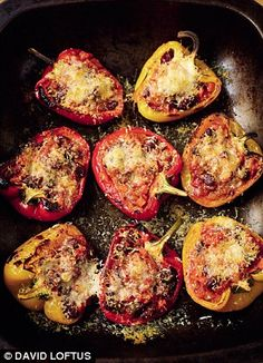 -Celebrate: Bonfire savouries Tomato soup, spicy bean-stuffed peppers and honey & mustard sausages Bonfire Night Treats, Bonfire Night Food, Bonfire Parties, Baked Potato Recipes, Tesco Real Food, Cupcakes, Fall Recipes, Food To Make, Vegetarian Recipes