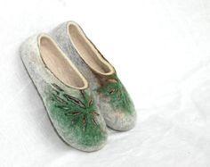 Felted slippers Women slippers Valenki Handmade от JurgaFeltLife