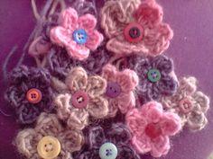 pretty crochet flowers pattern by fayknits3
