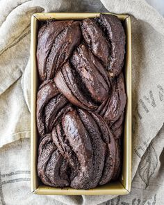 Adding cocoa to a dough can be tricky because cocoa inhibits yeast activation and dries out the dough and at the same […] Chocolate Fudge Sauce, Chocolate Babka, Chocolate Filling, Chocolate Flavors, Babka Recipe, Double Chocolate Muffins, Bread Substitute, Sweet Bread, Bread Baking
