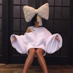 Sia Won't Show Her Face, But She'll Give Away Her Name - http://oceanup.com/2016/03/30/sia-wont-show-her-face-but-shell-give-away-her-name/