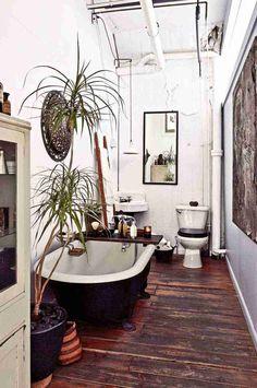 Discover Your Home& Decor Personality: 19 Inspiring Artful Bohemian Spaces . Discover Your Home& Decor Personality: 19 Inspiring Artful Bohemian Spaces Bohemian Apartment Decor, Bohemian Bathroom, Eclectic Bathroom, Modern Bathroom, Modern Sink, Minimalist Bathroom, Minimalist Living, Bad Inspiration, Vintage Home Decorating