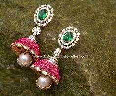 Indian Jewellery Design, Jewellery Designs, Indian Jewelry, Gold Jewelry, Jewelery, Traditional Earrings, Ear Rings, Indian Wear, Beautiful Earrings