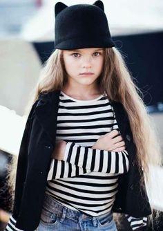 Baby Fashion  Baby Fashion Uno dei must di questa stagione è il cappellino con le orecchie.
