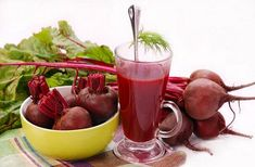 If you are not juicing beets yet, you need to start. Beet juice is amazing and packed full of nutrients. Beet juice for better health. Healthy Juices, Healthy Drinks, Healthy Smoothies, Healthy Food, Beetroot Juice Recipe, Beet Kvass, Beetroot Powder, Ukrainian Recipes, Turkish Recipes