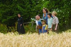 Still of Emma Thompson, Maggie Gyllenhaal, Asa Butterfield, Eros Vlahos, Lil Woods and Oscar Steer in Nanny McPhee and the Big Bang (2010)