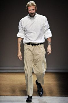 Stefano Pilati, creative director of YSL Yves Saint Laurent, I Love Beards, Man About Town, Sporty Chic, Norman, What To Wear, Style Inspiration, Style Ideas, Pants For Women