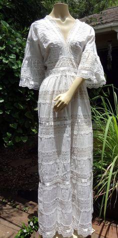 Superb Vintage Wedding Dress Hippie Gypsy Beach Bohemian by lagypsyyaya
