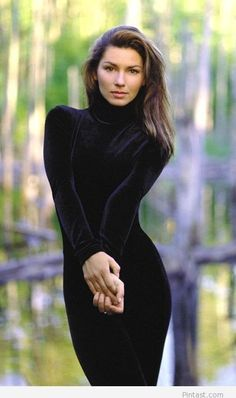 Shania Twain, my idol! Such a beautiful, classy, compassionate and humble woman!---- ---- ----- has to be a hundred magnitudes of EXQUISITELY BEAUTIFUL. Most Beautiful Women, Beautiful People, Beautiful Soul, Shania Twain Pictures, Female Singers, Country Girls, Windsor, Crossover, Divas
