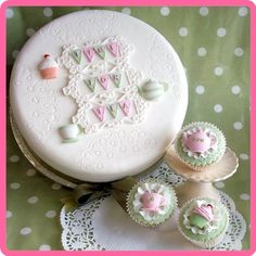 KATY SUE DESIGNS - Cake Cupcake Silicone Mould - Afternoon Tea: Amazon.co.uk: Kitchen & Home