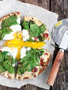 Fontina, Bacon and Spinach Breakfast Pita Pizza - quick and easy breakfast of baked whole wheat pita, fontina cheese, bacon, spinach and egg | Seasons and Suppers