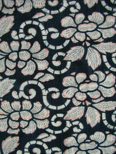INDIGO KATAZOME   PEONIES & SCROLLING VINES   藍型染 ・ 牡丹唐草文様    HOMESPUN, HANDWOVEN COTTON  RICE-PASTE STENCIL-RESISTED,  VAT-DYED IN BOTANICAL INDIGO  AND SURFACE PIGMENTED THROUGH STENCILS  MID/LATE 19C