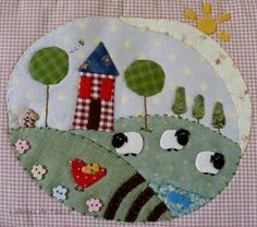 Very pretty textile work with sheep on it :) Easy Quilts, Small Quilts, Mini Quilts, Wool Applique Patterns, Embroidery Applique, Quilt Patterns, House Quilts, Fabric Houses, Aplique Quilts