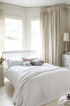 Cream walls and curtains neutral colour scheme curtains for bay window - Bedroom Ideas Furniture Bedroom Window Design, Bay Window Bedroom, Bedroom Windows, Bedroom Layouts, Bedroom Ideas, Bay Windows, Bedroom Designs, Bedroom Decor, Bay Window Curtains