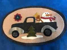 Lisa Roy Kuras: It is the January mini vintage truck pattern by Buttermilk Basin Christmas Quilt Patterns, Christmas Applique, Felt Christmas Ornaments, Christmas Sewing, Christmas Wall Hangings, Christmas Towels, Wool Applique Patterns, Felt Applique, Felted Wool Crafts