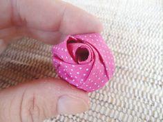 Como fazer uma rosa de fuxico, artesanato com tecido   Vila do Artesão