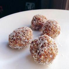 Cashew-Coconut-Truffles-1.jpg