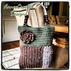 Fall Graphic Handbag- Originally pinned by Annoo Crochet onto Crochet HandBag Inspiration