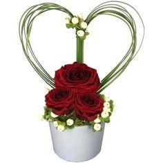 Arrangement Floral Rose, Valentine Flower Arrangements, Basket Flower Arrangements, Rose Flower Arrangements, Creative Flower Arrangements, Ikebana Flower Arrangement, Valentines Flowers, Deco Floral, Art Floral