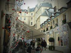 2012-13 Christmas in Paris.  www.anamolina.es