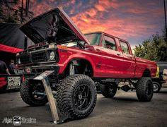 Custom Pickup Trucks, Old Pickup Trucks, 4x4 Trucks, Diesel Trucks, 1979 Ford Truck, Lifted Ford Trucks, Ford 4x4, Black Truck, Classic Pickup Trucks