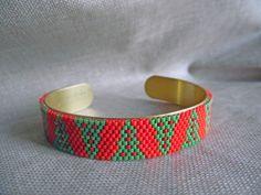 SPECIAL NOEL Bracelet tissé Miyuki Bracelet réglable sur une base en laiton Indien Navajo Rouge et vert : Bracelet par m-comme-maryna Navajo, Cuff Bracelets, Comme, Jewellery, Etsy, Accessories, Adjustable Bracelet, Brass, Indian