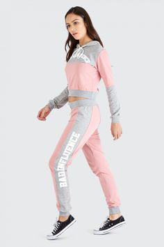 Love love love the lounge pink bad influence crop hoodie. Shop women's hoodies now at Select Fashion. Cute Outfits With Jeans, Cute Girl Outfits, Kids Outfits Girls, Sporty Outfits, Dance Outfits, Fashion Outfits, Girls Jeans, Shirts For Girls, Sport Fashion