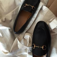Read kim taehyung from the story 审美 by AMOURGUK (laura) with reads. Parisian, Ballet Flats, Me Too Shoes, Taehyung, Fashion Shoes, Kicks, Shoes Sneakers, Footwear, Vogue