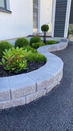 Curved Walls, Sidewalk, Backyard, Outdoors, Garden, Patio, Garten, Side Walkway, Lawn And Garden
