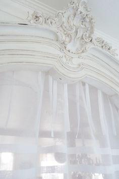 rideau organdi blanc trs joli rideau en organdi blanc pur plis religieux et monogramme a