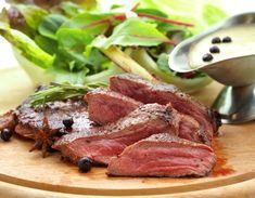 Grilovaná srnčia sviečkovica Wild Game Recipes, Beef Recipes, Venison Backstrap, Man Food, Ribs, Snacks, Meals, Food Game, Venison