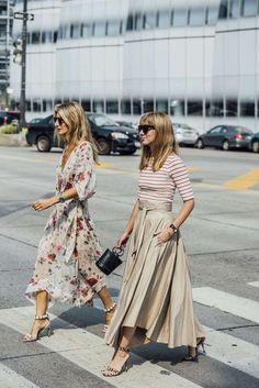 Faldas largas, flores,rayas, sandalias Ideas street style para la primavera.!