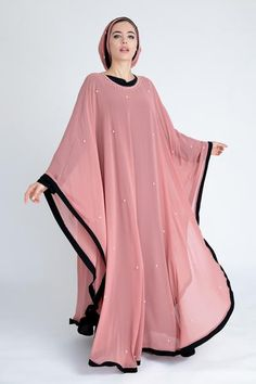 Renew your wardrobe with these, new abaya style which will enhance your personality. We have come with 50 different abaya style 2020 that will make you Mode Niqab, Abaya Mode, New Abaya Style, Hijab Style Dress, Islamic Fashion, Muslim Fashion, Abaya Designs Dubai, Burqa Designs, Habits Musulmans