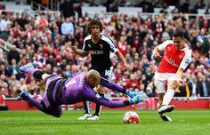 Alex Iwobi giúp Arsenal nuôi mộng vô địch Premier League