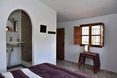 Slaapkamer 2 met 2e badkamer en-suite.