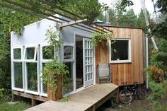 contemporary updated mobile home idea - very cool!